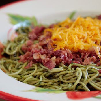 Pasta with bacon and pesto