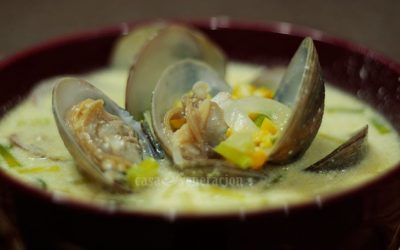 Creamy corn and clam soup