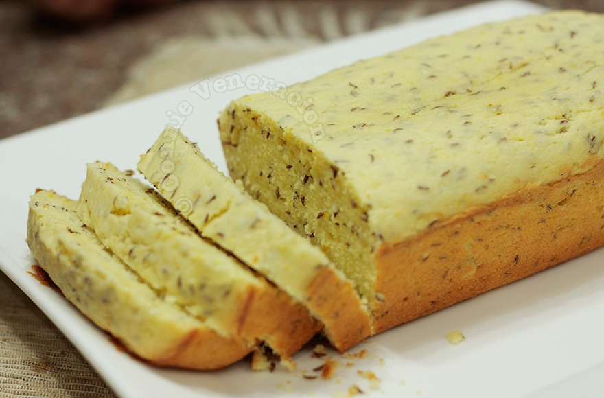 Caraway seed and orange marmalade cake | casaveneracion.com