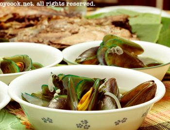 Independence Day Dinner: Mussel Soup and Grilled Tuna