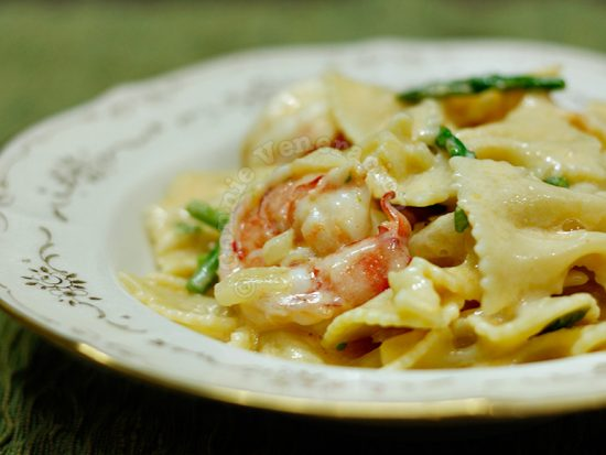 Mac and cheese… with prawns and asparagus