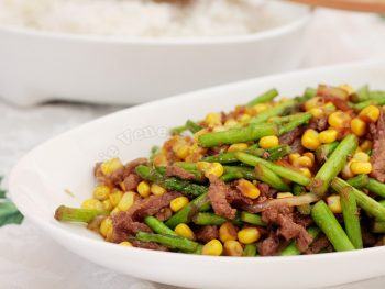 10-minute beef, asparagus and corn stir fry