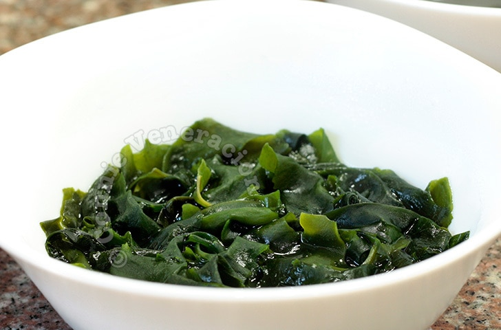 Rehydrated wakame