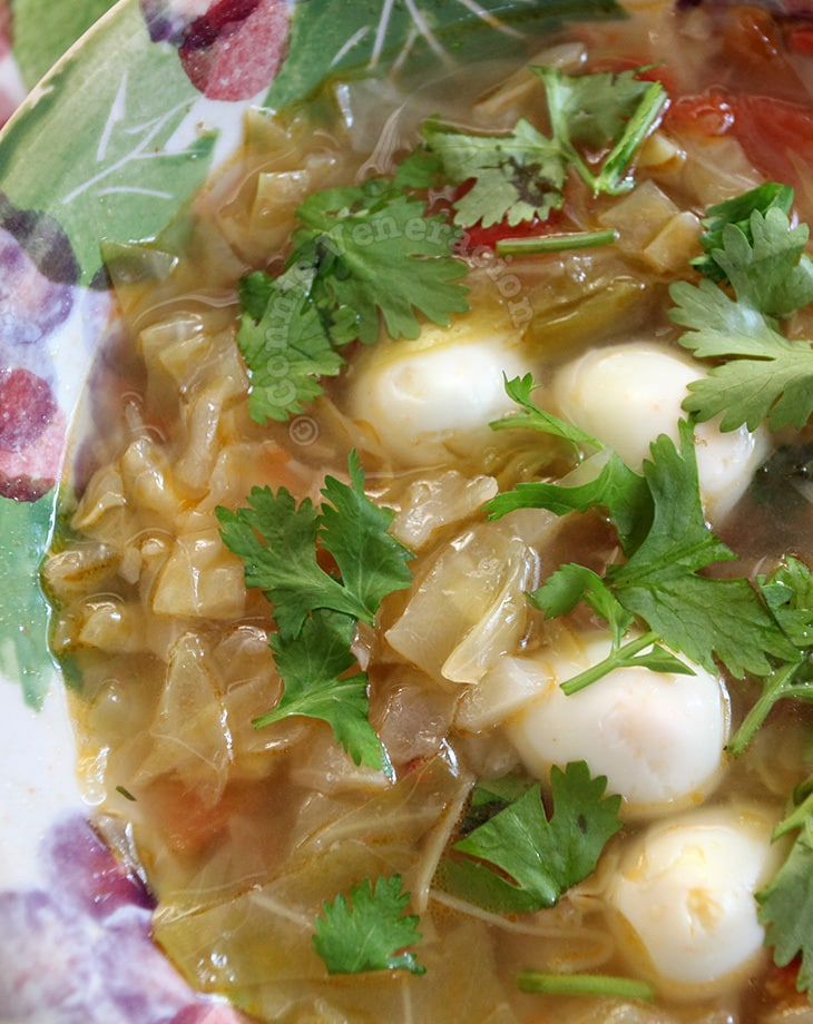Cabbage and quail eggs soup