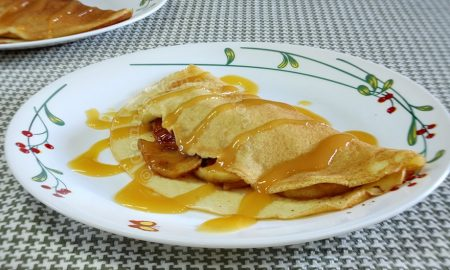 Breakfast crepes with caramelized apples and cinnamon