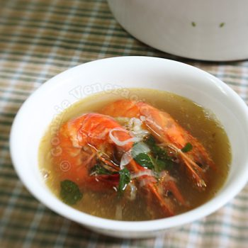 Prawns and ginger soup