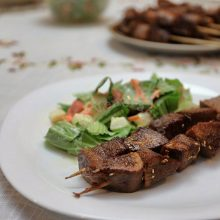 Grilled ox tongue with sesame seeds