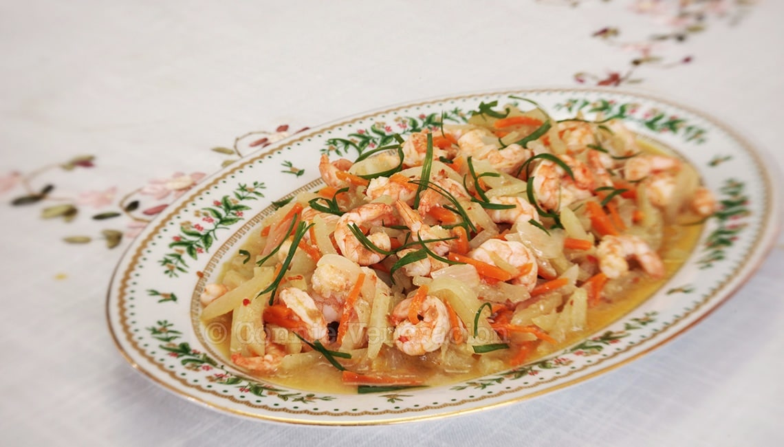 Spicy shrimps and chayote in white wine   casaveneracion.com
