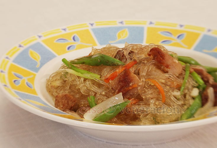 Sotanghon (vermicelli, glass noodles) and ginseng soup
