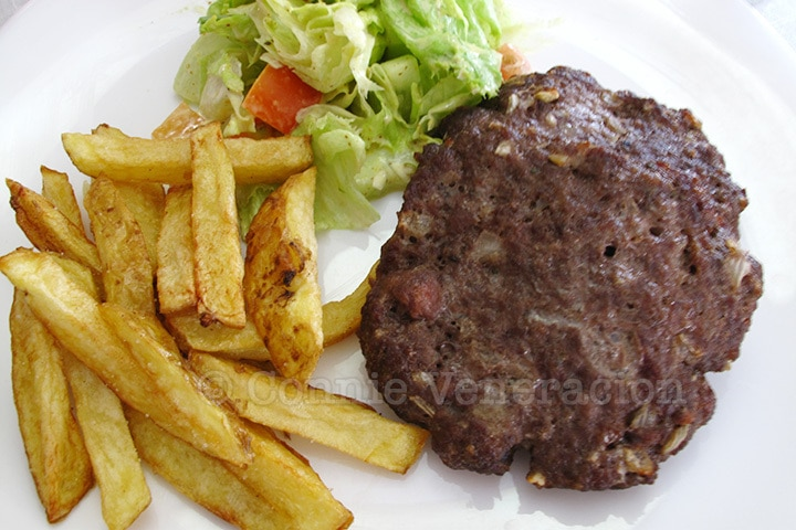 casaveneracion.com | Biftekia: grilled beef patties, Greek style