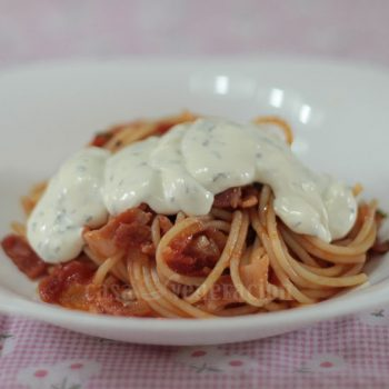 How to cook 15-minute spaghetti with cream cheese topping