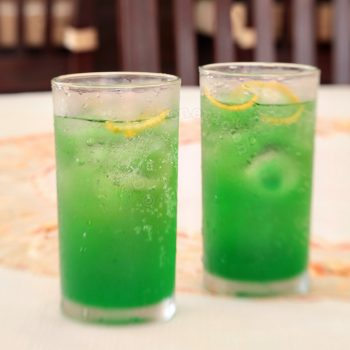 Mint highball: for ginger ale lovers like me
