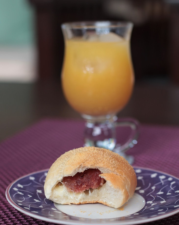 Sausage and cheese rolls, pandesal style