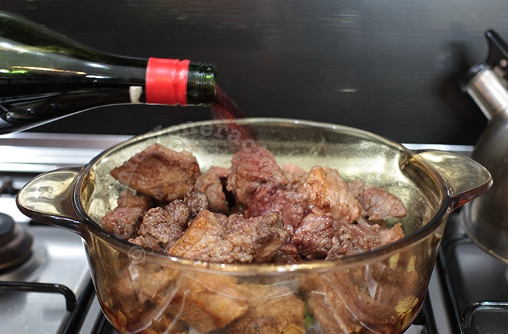 Beef and apricots stewed in red wine