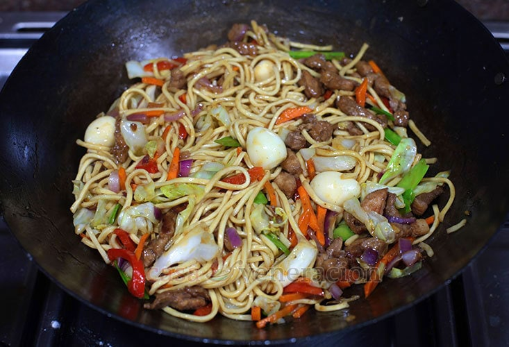 Pancit Canton (Filipino-style Chow Mein) Recipe With Step-by-step Guide