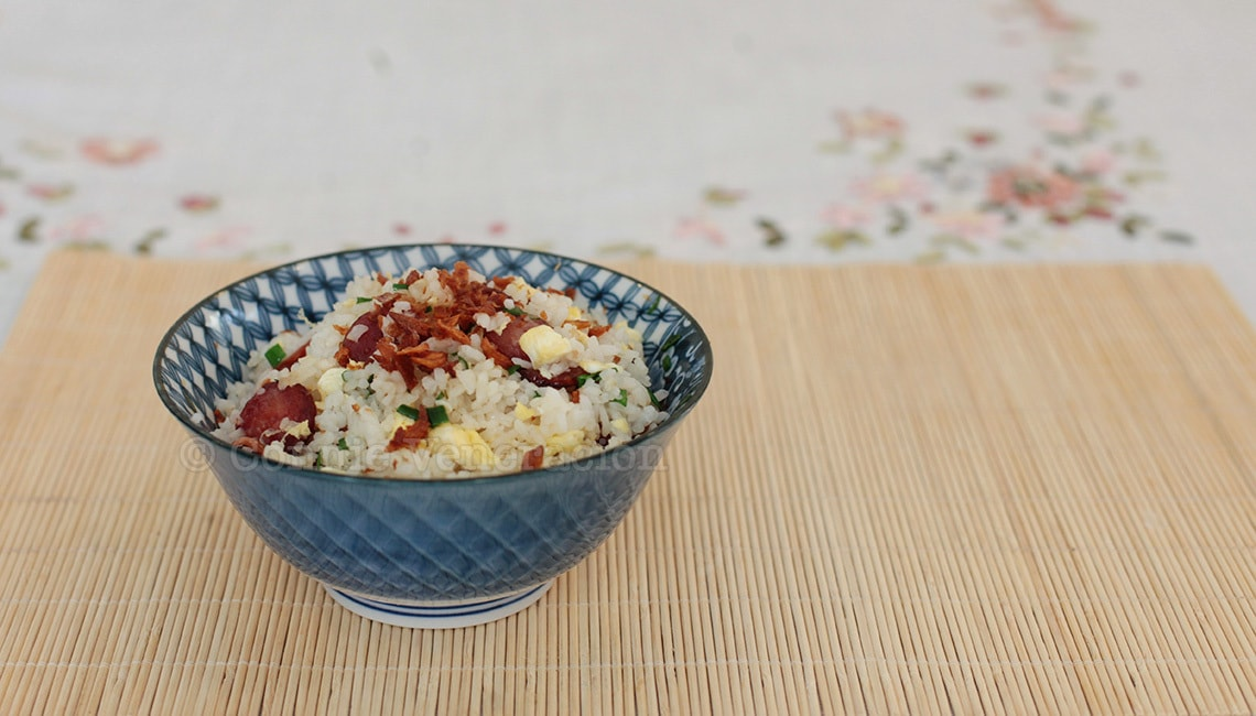 Chinese sausage fried rice with crisp fried shallots | casaveneracion.com