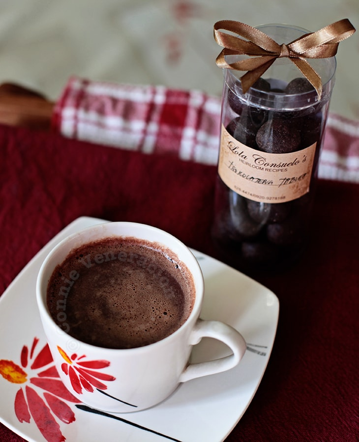 How to make: Tsokolateng tablea (Filipino hot chocolate drink) | casaveneracion.com
