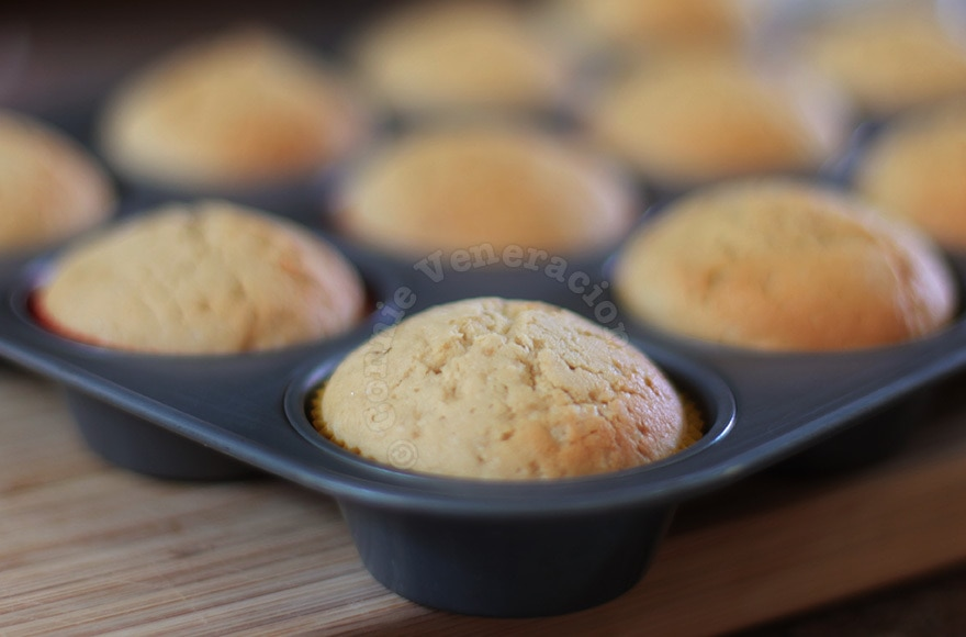 How to make uniform-sized cupcakes and muffins | casaveneracion.com