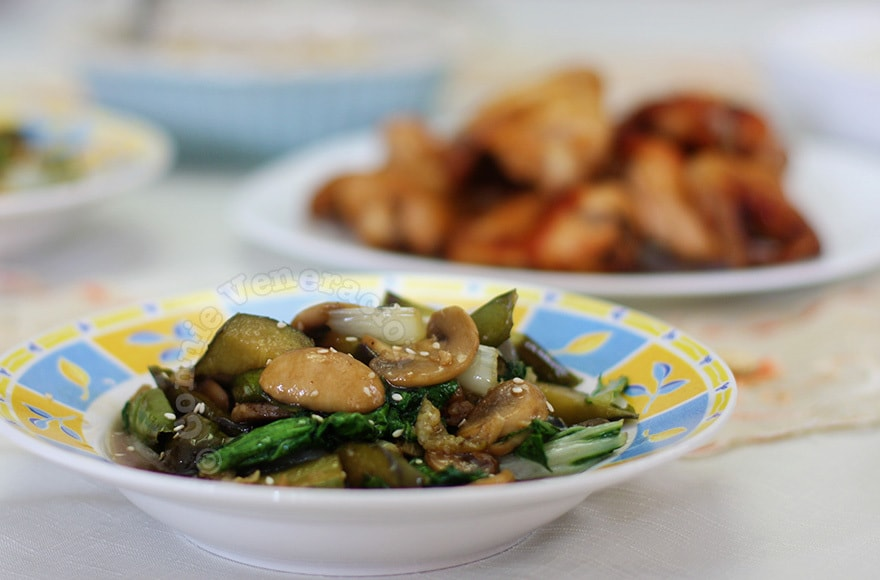 Eggplants, bok choy and mushrooms in oyster sauce