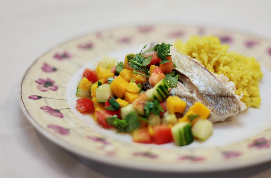 Baked Fish, Mango-Tomato Salad and Turmeric-Coconut Rice | casaveneracion.com