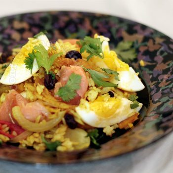 A la kedgeree: rice with flaked fish, eggs and curry