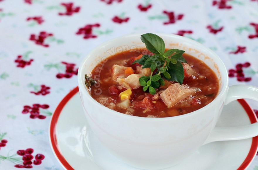 Tomato Soup Cooked With Leftovers | casaveneracion.com