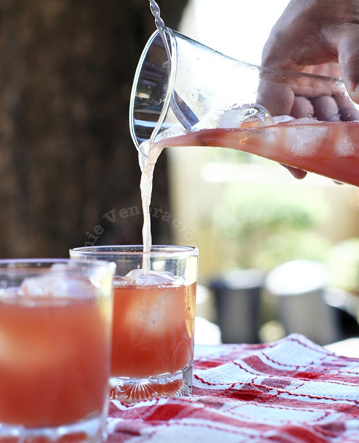 Refreshing summer cooler: Amaretto, cranberry and orange cocktail