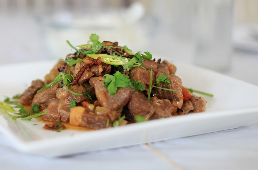 Braised lamb with chilies, crushed pineapple, lemongrass and ginger | casaveneracion.com