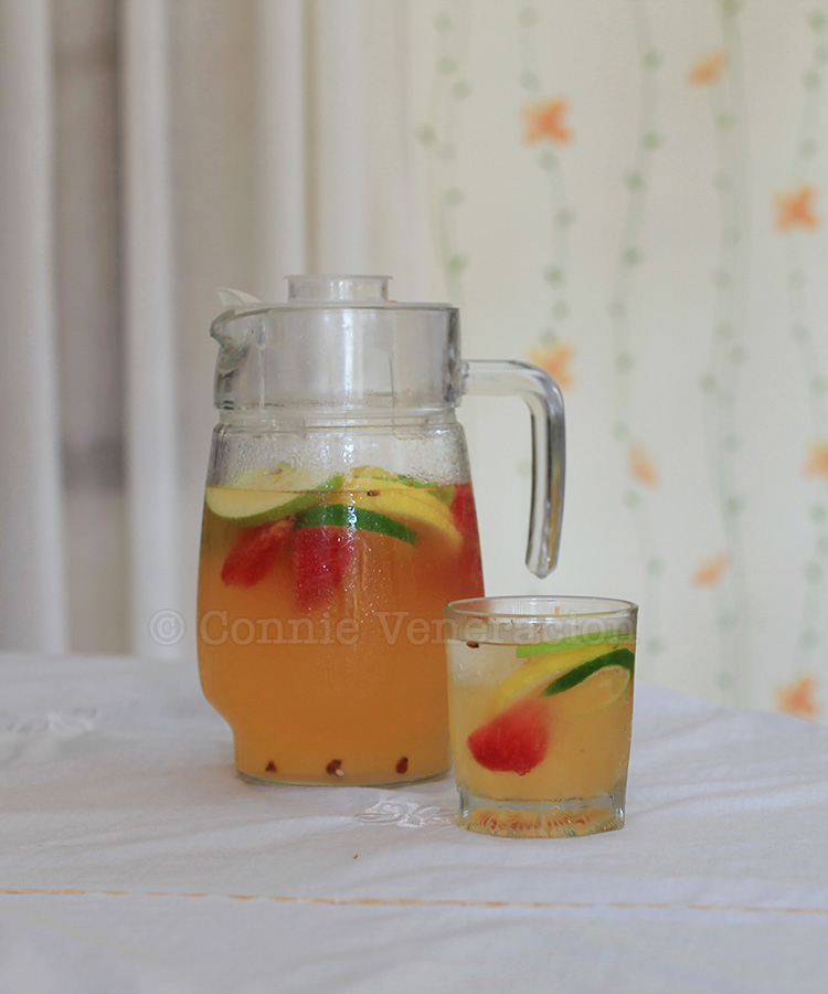 Holiday cocktails? Try white sangria | casaveneracion.com