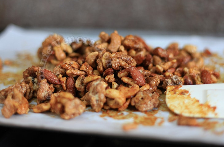 Sweet Spicy Bar Nuts