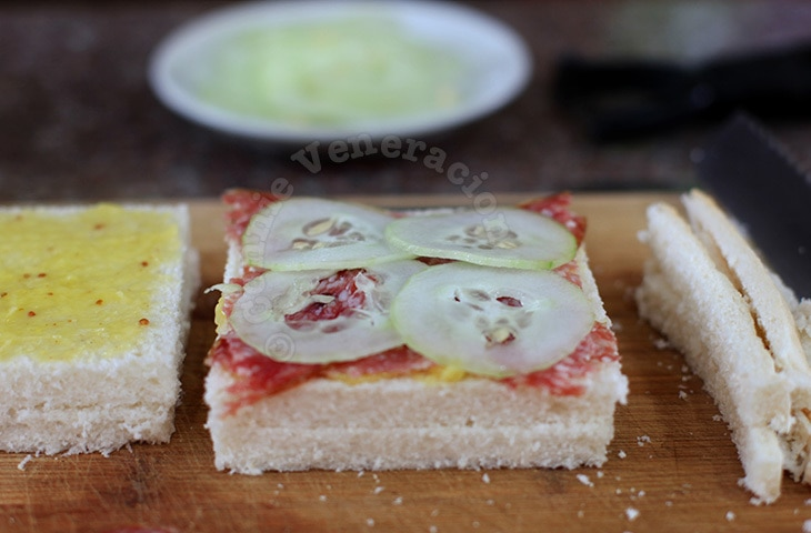 Salami and cucumber mini-sandwiches