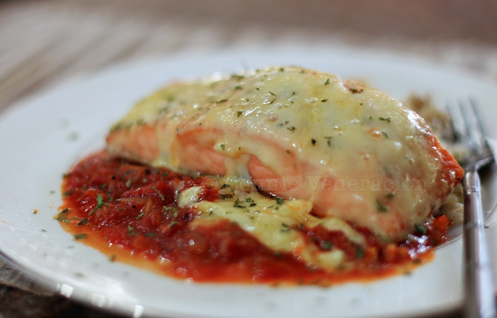 Broiled Cheese-topped Salmon With Pomodoro Sauce | casaveneracion.com