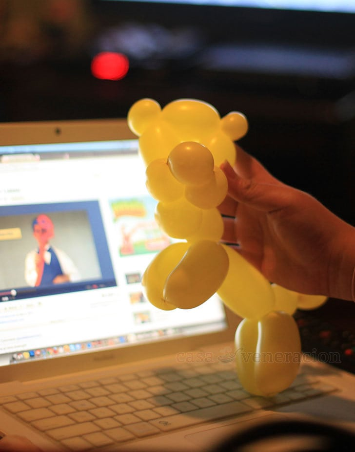 Birthday Girl's Balloon Animal Art: Maybe it's a tiger