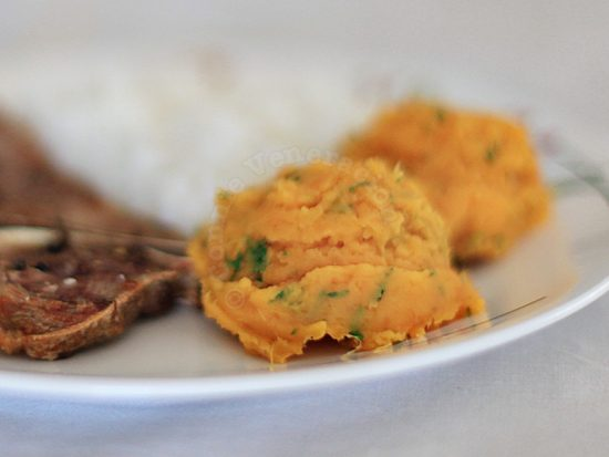Butter-rich creamy mashed sweet potatoes