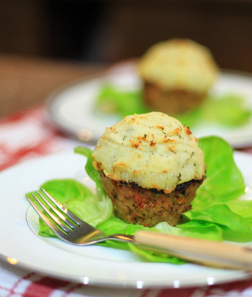 Meatloaf cupcakes with mashed potato frosting | casaveneracion.com