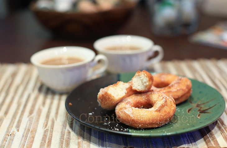 Is it donuts or doughnuts? Whatever. These are homemade. | casaveneracion.com