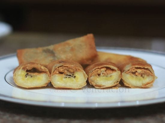 Banana and chunky peanut butter spring rolls