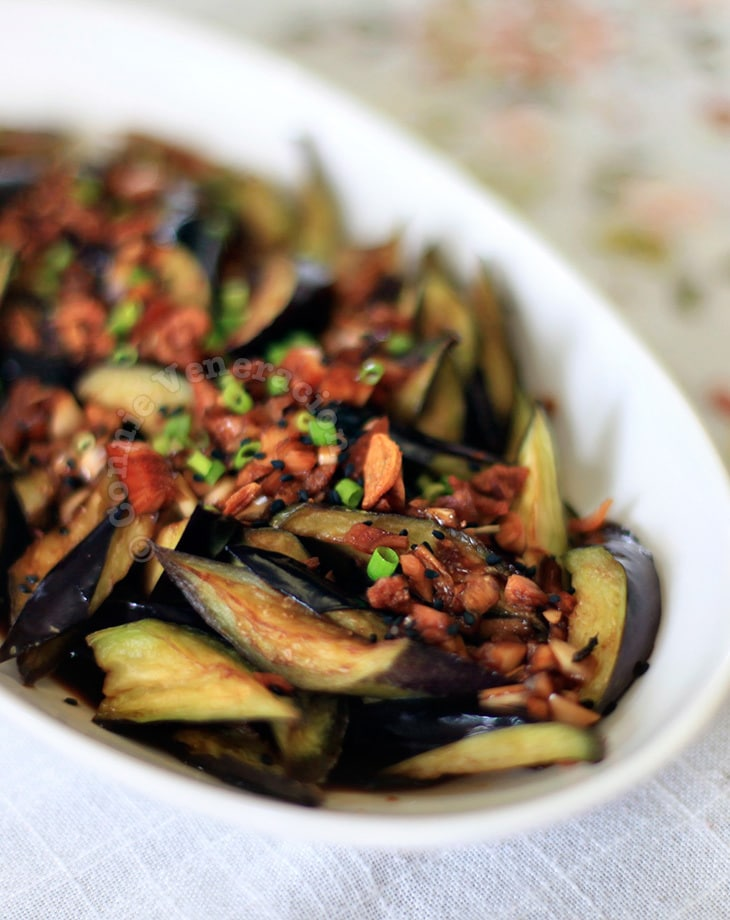 Flash-fried eggplants with spicy soy-ginger sauce