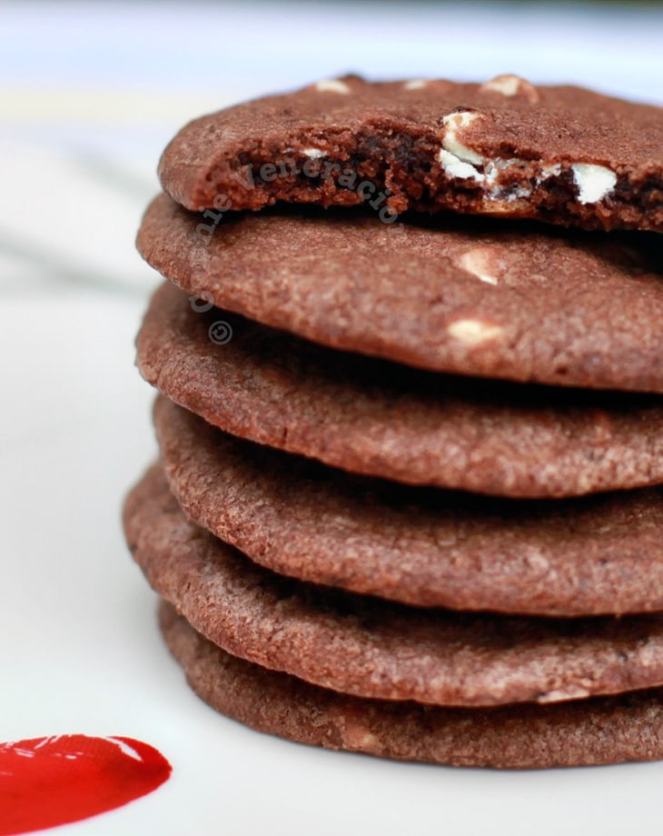 Nutella and white chocolate cookies