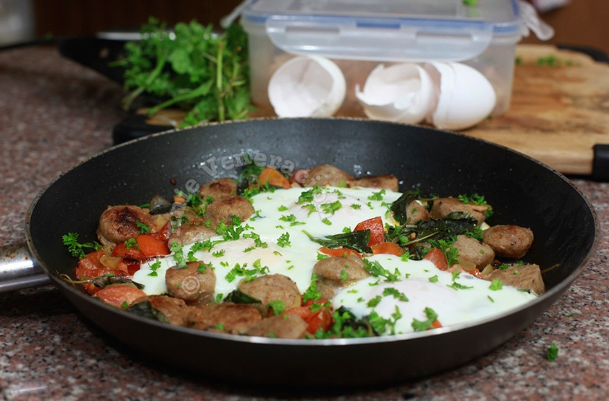 Skillet sausage and eggs | casaveneracion.com