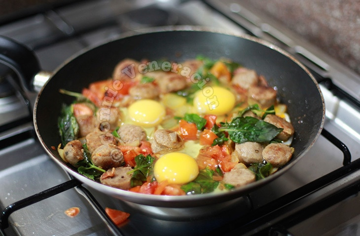Skillet sausage and eggs