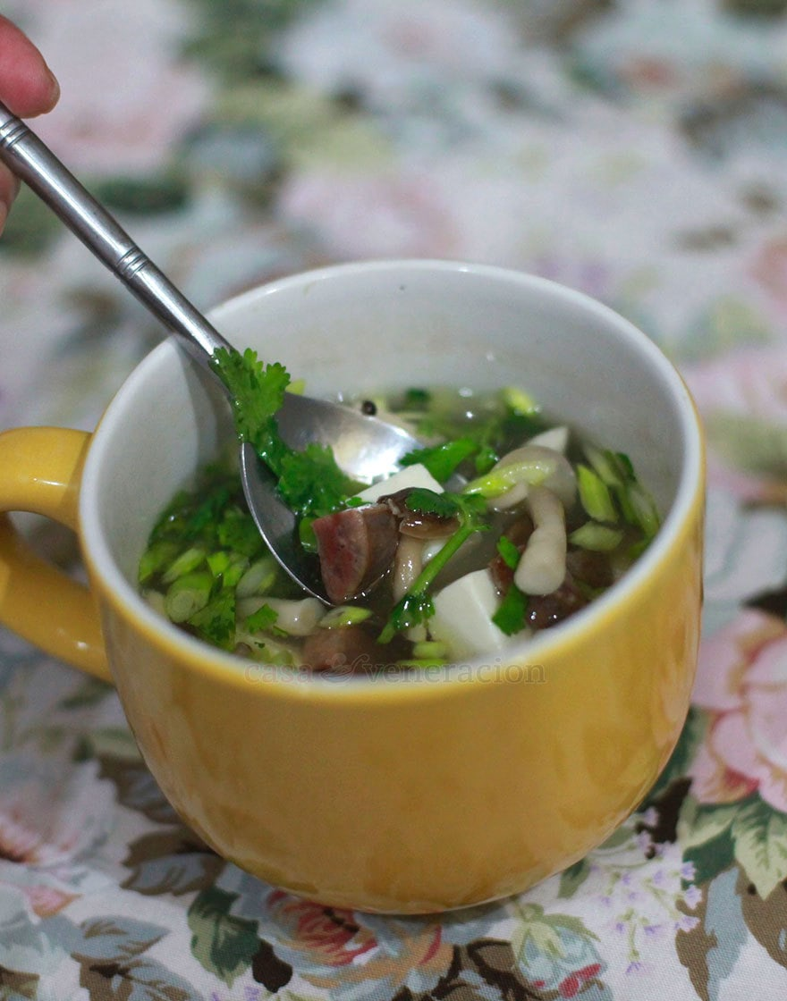 This Chinese sausage, tofu and mushroom soup is one of the simplest dishes I have ever made in my life. Just boil then simmer. You start with a very good broth which will taste even better after the Chinese sausages have simmered in it.