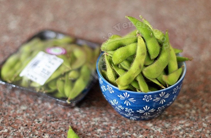 How to cook edamame (fresh soy beans in pods)