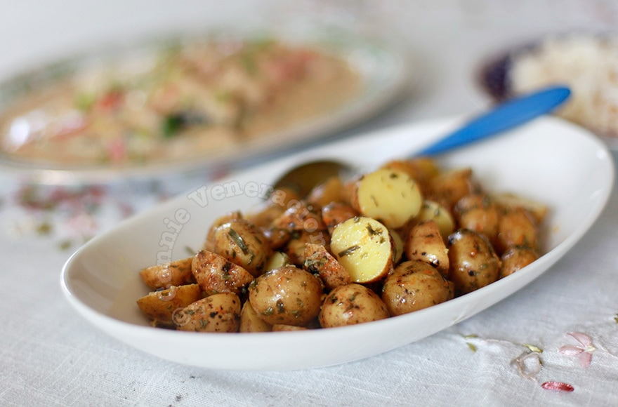 Pearl Potato Salad With Garlic and Tarragon Dressing | casaveneracion.com