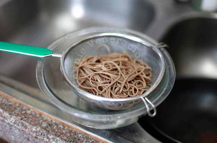 Japanese-style spicy soba noodles with edamame