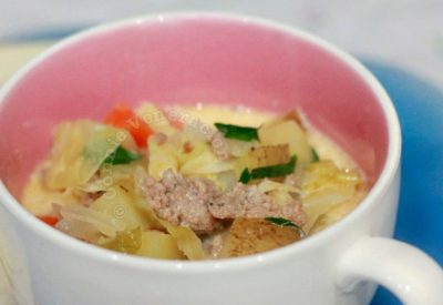 Creamed sausage, potato and cabbage soup a la zuppa Toscana