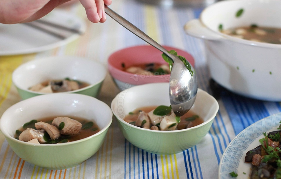 Miso soup with bangus (milkfish) fillets and malunggay leaves | casaveneracion.com