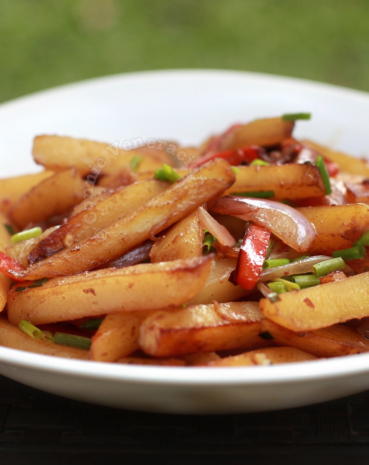 Gamja bokum (Korean stir fried potatoes)
