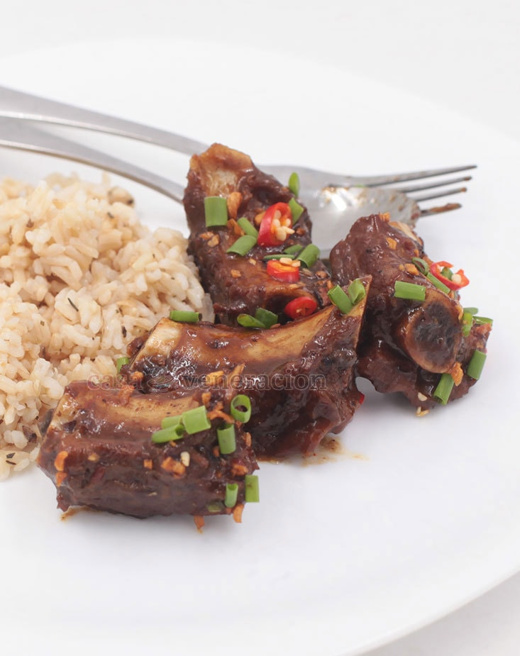 How to cook Chinese-style braised pork ribs with black beans and chili sauce recipe