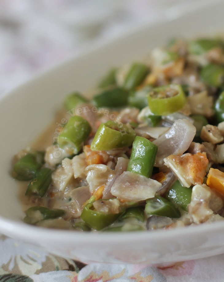 Gising-gising (spicy pork and green beans with coconut milk)